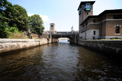 Heading toward the Cambridge locks from the river toward the harbor
